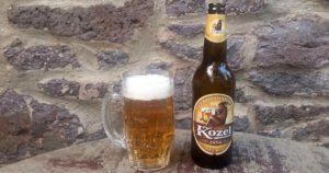 Das welovebier.de- Team zeigt ein Bild, auf dem ein tschechisches Bier der Marke Kozel mit einem vollem Bierkrug zu sehen ist.