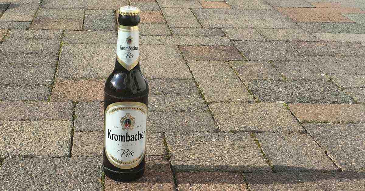 Welovebier.de zeigt ein untergäriges Bier der Marke Krombacher.